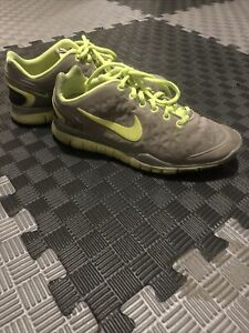 Womens Nike Free Fit 2 Size 7 $19.99
