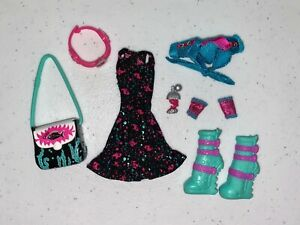 Monster High Lagoona Blue Ghouls Night Out Clothes and Accessories $16.50