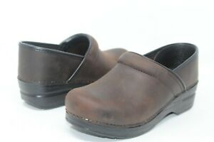 Women#x27;s Dansko Narrow Professional Antique Brown Leather Nursing Clog Size 6 N