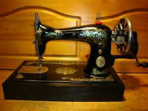 ANTIQUE SINGER SEWING MACHINE MODEL 15 #x27;GINGERBREAD#x27; HAND CRANKSERVICED $250.00