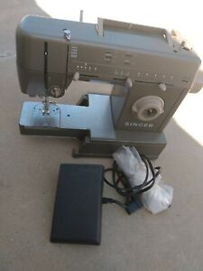 SEE DETAILS Singer Professional Sewing Machine HD110C Heavy Duty Metal Foot PedL $199.99