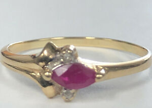 Cute 14kt Yellow Gold Ruby Diamond Ring Size 8