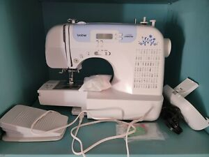 Brother CS7000i Sewing and Quilting Machine 70 Built in Stitches LCD Display $225.00