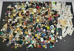 Assorted Sewing Buttons Lot Of 5 lbs Most Are Vintage $89.99