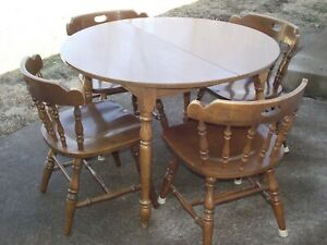 Vintage wood round kitchen dining table chairs $100.00