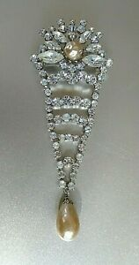Vintage Signed 59 Champagne amp; Clear Crystals Dangling Teardrop Pearl Brooch $89.99