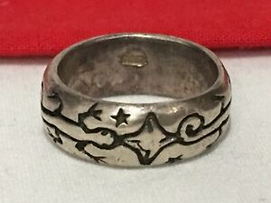 Vintage SIGNED 925 Etched LIZARD amp; STAR Pattern Sterling Silver .925 RING Size 4 $29.95