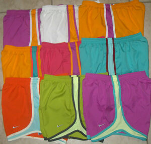NWT WOMEN NIKE 716453 TEMPO TRACK DRI FIT RUNNING SOLID SHORTS SELECT SIZE $32 $14.95