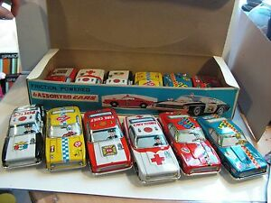 box dealer set 12 car tin toy jouet tole 60