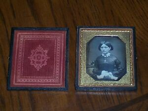 Nice 6th Plate Daguerreotype of a Nice Lady With Cross Religious Rare Image Look