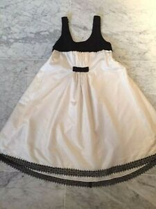 CHANEL WHITE SILK w BLACK LACE BODICE & HEM FROM 06P COLLECTION - SZ 38