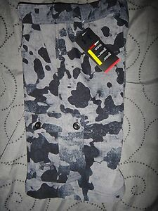 UNDER ARMOUR HEATGEAR GOLF SHORTS CAMO CARGO BOYS S L XL NWT $44.99