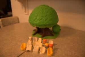 1975 kenner tree tots family tree house by general