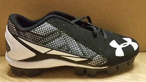 UNDER ARMOUR CLEAT * 1264187-011 * BLACKWHT * KIDS * 5Y * BARGAIN PRICE $19.95!