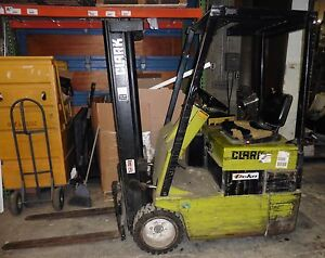 CLARK TM12 Electric forklift 24V with battery charger