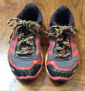 Boy's Youth Under Armour Storm Running Shoes Size 2 Youth