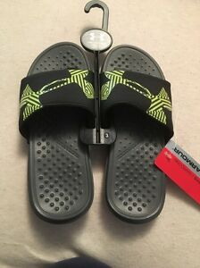 Nwt Boys Under Armour Black Slides Size 3