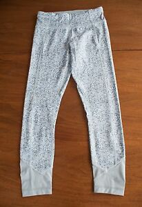 Lululemon Size 4 Petite Fleur Gray Sliver Spoon Pace Queen Tights Luxtreme Pants
