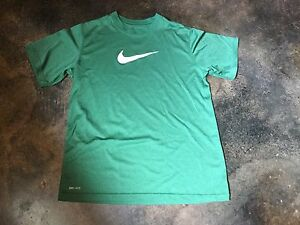 Nike Boys Dry Fit Short Sleeve Shirt  Size  Large (youth)  Green