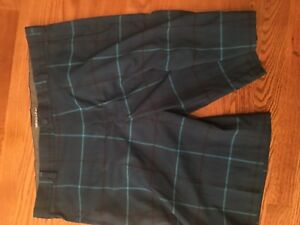 NIKE GOLF Men's Fit-Dry Pleated Navy Blue Golf Shorts Size 38