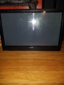 Black 42 in Phillips TV good condition