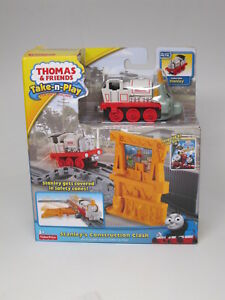 Thomas Take-n-Play STANLEY'S CONSTRUCTION CLASH Playset - Die Cast Train Engine