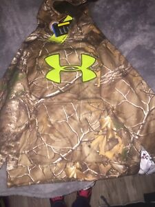 Under Armour Youth Medium Infrared Armour Fleece Camo & green Hoodie Realtree.