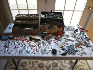 Vintage -- Fishing lures  Baits  crankbaits Flies Tackle Boxes Loaded