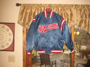 New England Patriot Football Spotlight QUILTED LINED Jacket Men's  LARGE Vintage