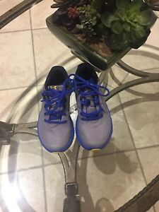 Under Armour boys shoes size 1Y