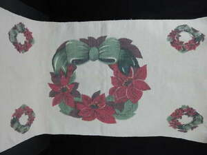 Hand Woven Cotton Christmas Rug Screen Print Wreath Design 23X45 with 2.5 Fringe