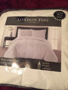 London Fog Queen Size Ultra Soft natural White Down Filled Comforter - Brand New