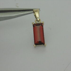 2.44ct STUNNING Natural Baquette Cut Tanga Garnet in a 10K Yellow Gold Pendant