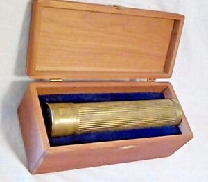 VINTAGE BRASS CYLINDER KALEIDOSCOPE IN BLUE VELVET LINED CHERRY WOOD CASE