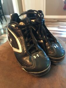 Under Armour Toddler Ball Cleats 11 Boy Girl Spikes