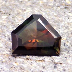 GREEN-RED-ORANGE MULTICOLOR MYSTIQUE OREGON SUNSTONE 4.54Ct FLAWLESS-RARE!