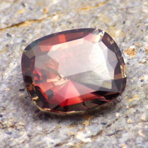 COPPER-RED-ORANGE-GREEN MULTICOLOR MYSTIQUE SCHILLER OREGON SUNSTONE 4.51Ct RARE