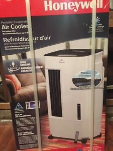 Honeywell AirCooler CS107AE 176CFM 100sf port. evap. air cooler (swamp cooler)