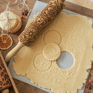 Christmas Embossing Rolling Pin Baking Cookies Biscuit Fondant Cake Dough