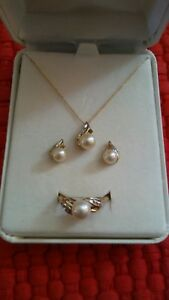10k Yellow Gold Pearl and Diamond Set Earrings Ring & Necklace