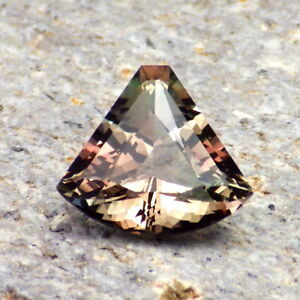 BLUE-TEAL-COPPER-GREEN MULTICOLOR MYSTIQUE OREGON SUNSTONE 2.48Ct FLAWLESS-RARE!