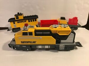 Toy State CAT CATERPILLAR CONSTRUCTION TRAIN LOCOMOTIVE ENGINE SET OF 4