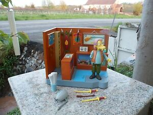 The Simpsons Series 13 Playmates Playset Military Antique Shop w Herman Figure