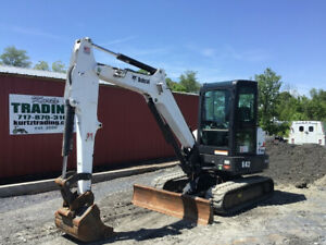 2015 Bobcat E42 Hydraulic Mini Excavator w Cab Only 900 Hours!