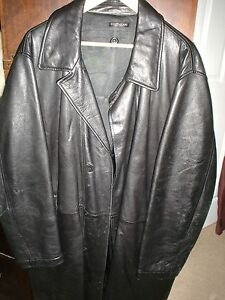 BEAUTIFUL MUST OWN CORTIGIANI  Black Leather Jacket--Size=LARGE--Made in Italy