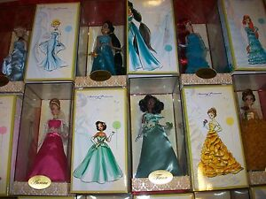 LOT of ALL 16 DISNEY DESIGNER DOLLS 10 PRINCESSES & 6 VILLIAN DOLLS