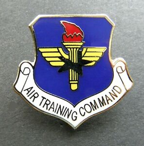AIR TRAINING COMMAND US AIR FORCE LAPEL PIN BADGE 1.1 inch