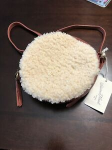 NWT Universal Thread Sherpa Vegan Leather Canteen Round Cross Body Purse Bag