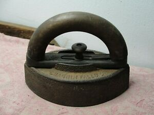 Antique Chagrin Falls Mfg Sad Iron w/ Detachable Handle Doorstop Paperweight OH