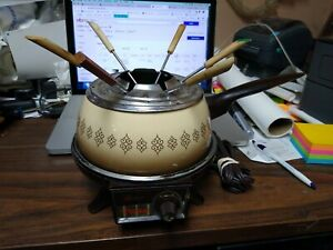 OSTER ELECTRIC FONDUE SET WITH 6 FORKS VERY NICE #34